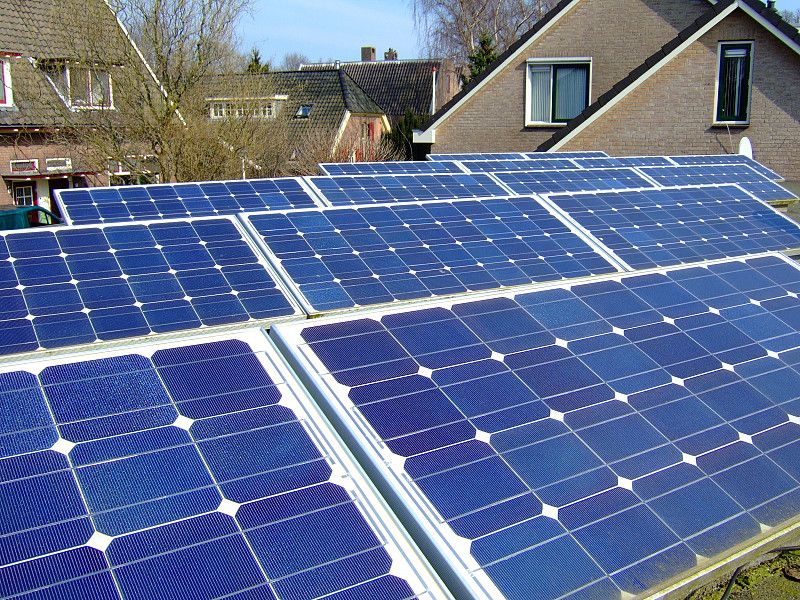 How Many Solar Panels Does It Take To Power A House Solar Power Diy Best Solar Panels Solar Energy Diy