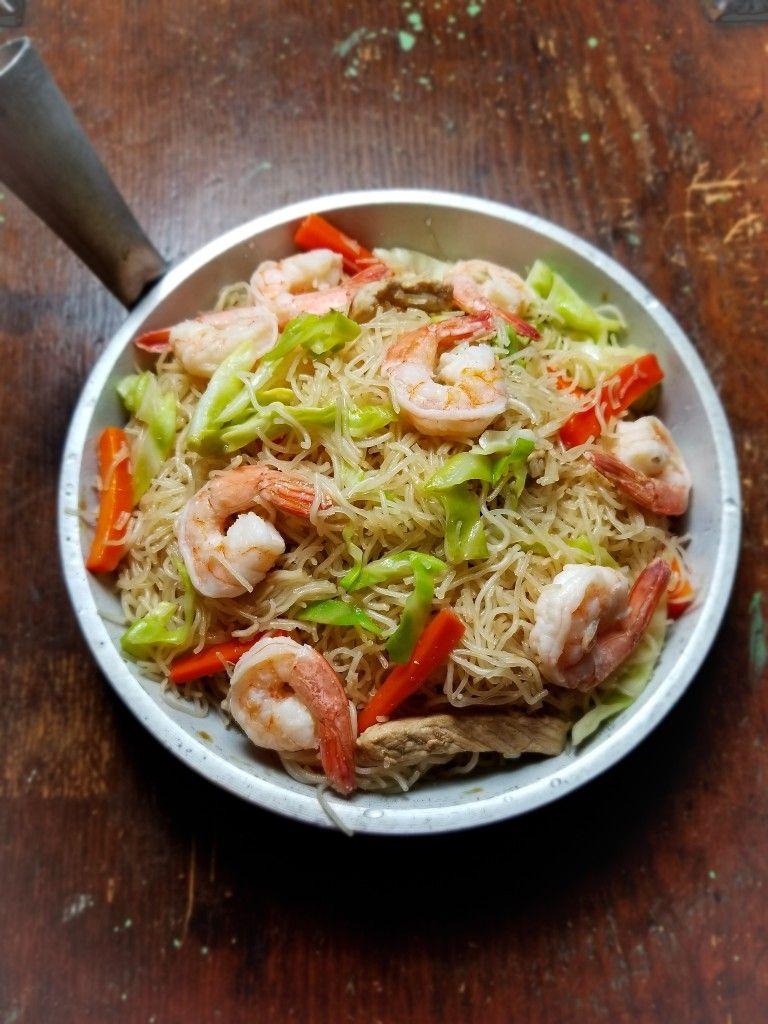 FILIPINO FOOD Pancit Bihon with Lean Pork and Shrimp in