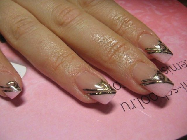svetlana 24 nageldesign fotos mit gold muster nageldesign bilder by world nails nailart. Black Bedroom Furniture Sets. Home Design Ideas