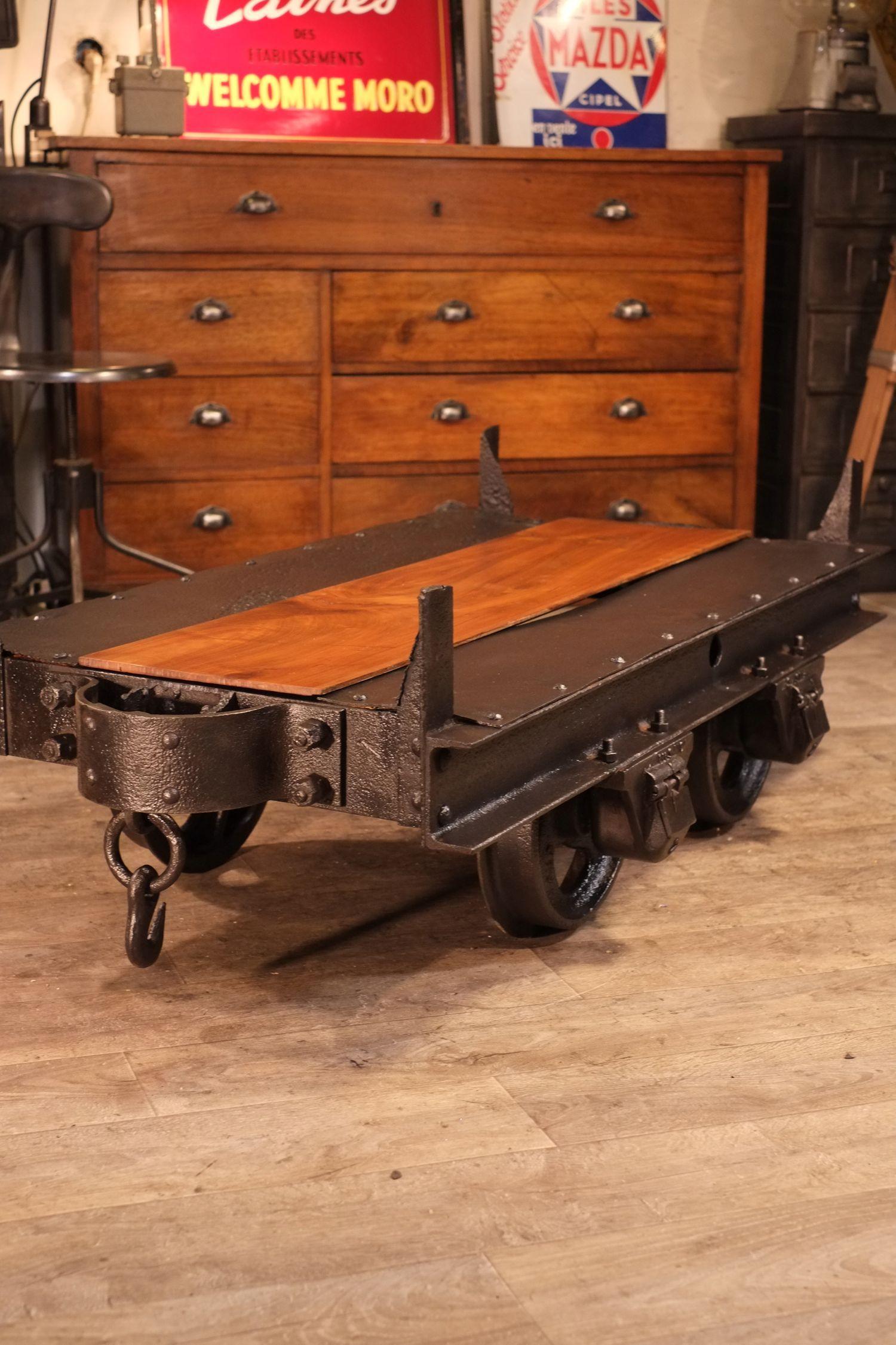wagonnet de mine ancien deco industrielle meuble. Black Bedroom Furniture Sets. Home Design Ideas