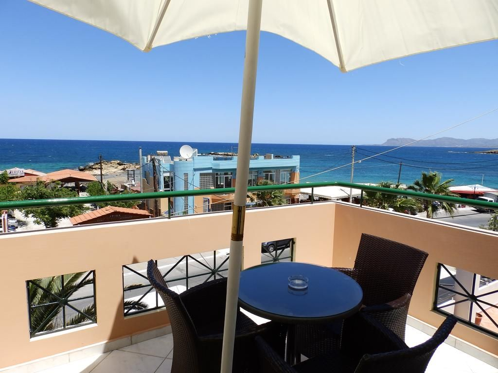 Sevach Apartments || Sevach is a small, family-run hotel, situated in Kalamaki, 4 km west of Chania, and only 20 metres from the Blue Flag sandy beach. Cafes, bars and restaurants are easily accessed.