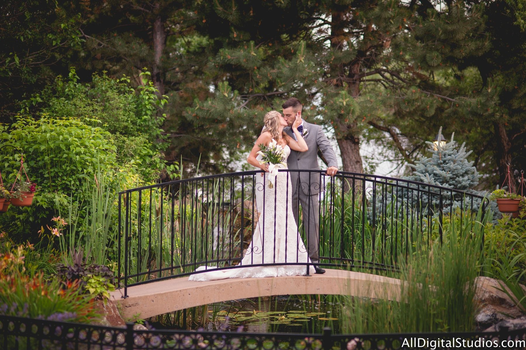 19 Affordable Denver Wedding Venues See Prices Colorado Wedding Venues Denver Wedding Venue Denver Wedding