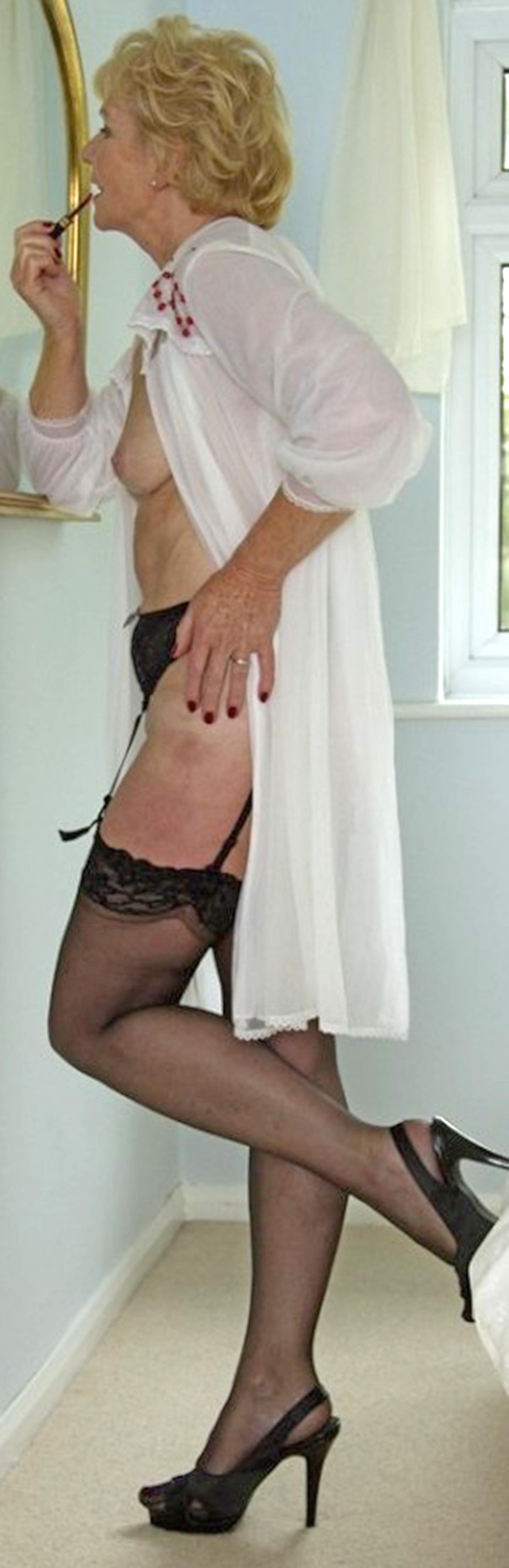 fabulously sexy | love mature moms | pinterest | beautiful legs