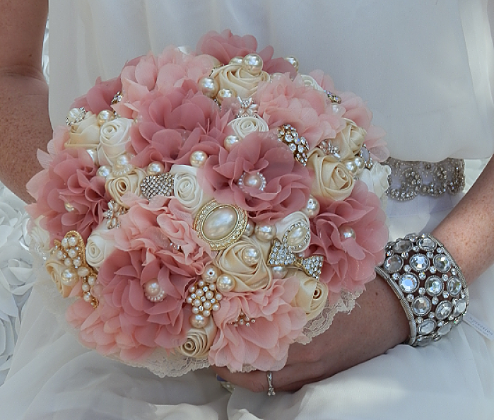 Vintage Dusty Rose Brooch Bouquet | Brooch bouquets, Dusty rose and ...