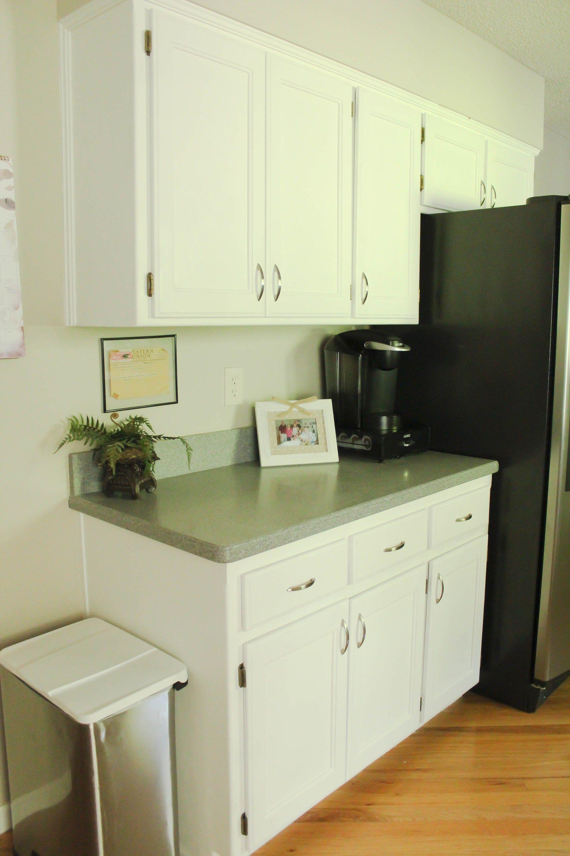Chalk Painted Kitchen Cabinets: From Honey Oak to White #honeyoakcabinets
