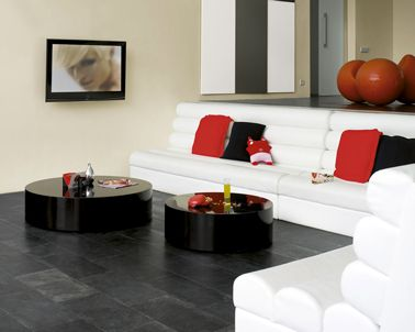 une peinture blanc cass dans le salon apporte une nuance subtile pour mettre en valeur un. Black Bedroom Furniture Sets. Home Design Ideas