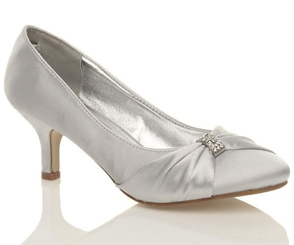 NEW WOMENS SILVER WEDDING BRIDAL LADIES PROM LOW HEEL BRIDESMAID EVENING  SHOES 2b1749fdee