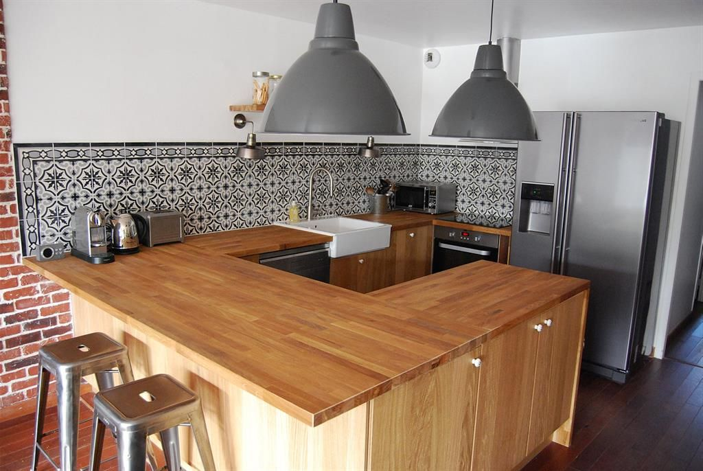 Mix The Traditional With The Modern In The Kitchen Using Vintage - Cuisine carrelage ancien pour idees de deco de cuisine
