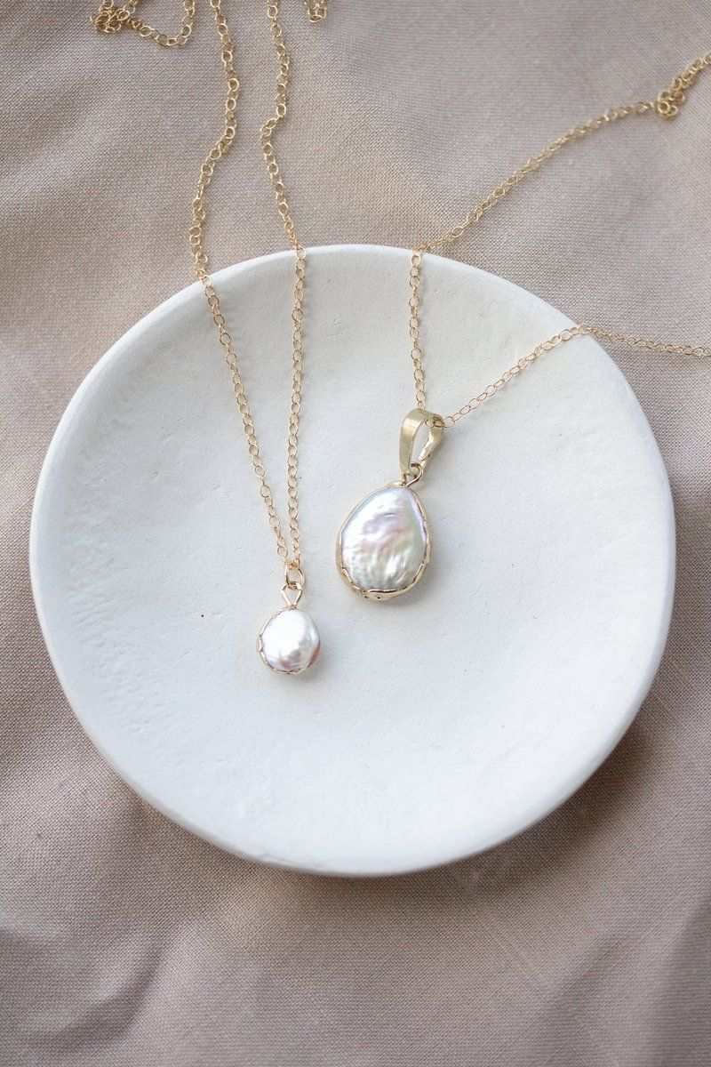 Lucia Petite Mother of Pearl Necklace #pearljewelry