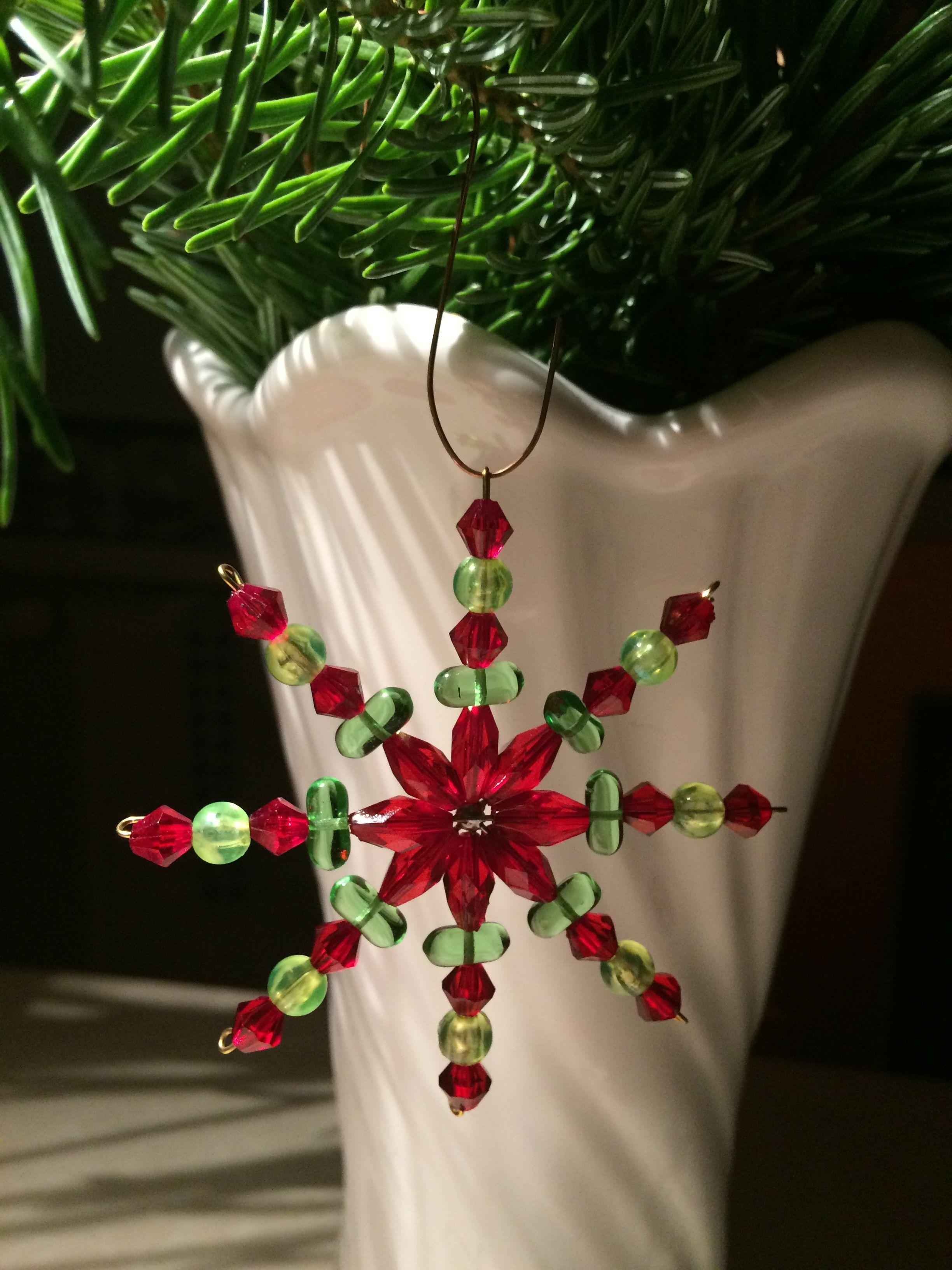 6dcf797ab Soni: vianočná hviezda Vianočná Domácnosť, Výroba Vianočných Predmetov,  Hviezdy, Práca S Korálkami