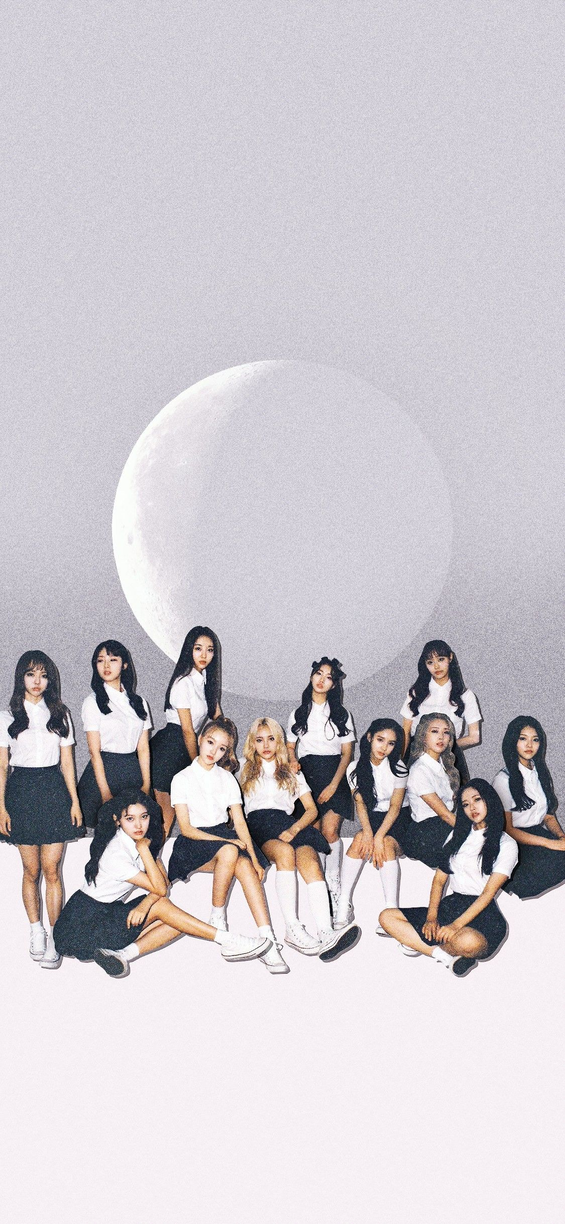 Loona Kpop Wallpaper Bff Photoshoot Poses Cute Wallpapers