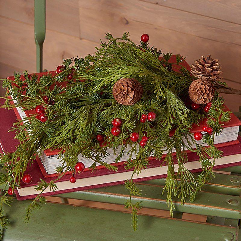 Raz 28 Berry Cedar And Pine Christmas Tree Spray F3706982 Christmas Tree Spray Pine Christmas Tree Christmas Tree Themes