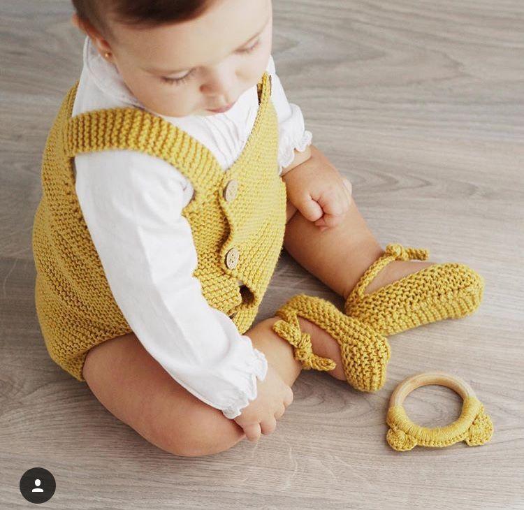 55c1d4c4c4de Knitted Baby Romper made with garter stich- DIY Pattern   Tutorial ...