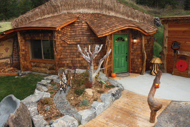 Image Hobbit House Of Montana The 1075 Square Feet Of This