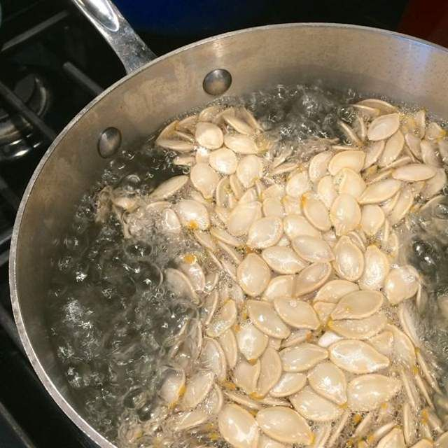 How to Roast Pumpkin Seeds #pumpkinseedsrecipe