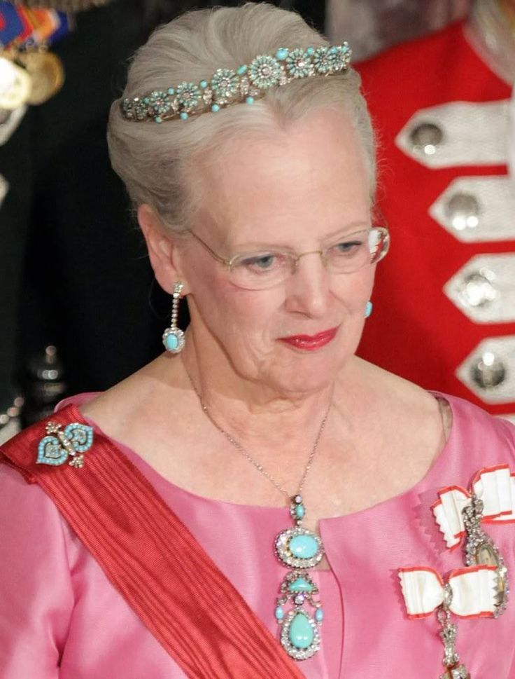 Queen Margrethe's Turquoises Posted by malluu on December 1, 2015, 11:57 am. Queen Margrethe has quite the collection of antique and modern turquoise jewellery. The older pieces include the daisy tiara, earrings, and two brooches. She sometimes wears the larger brooch as a pendant. The turquoise daisy tiara has also been worn by Queen Ingrid, Princess Theodora of Greece, Crown Princess Martha of Norway, and Madeleine Tengbom.