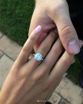 Fitness #Influencer #Kayla #Itsines #Is #Engaged! #See #Her #Gorgeous #Ring,  #engaged #engagementri...