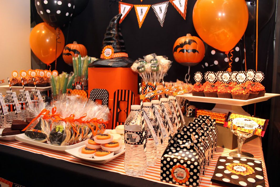 Decoraci n de halloween para peque as brujas fiestas de - Adornos de halloween ...