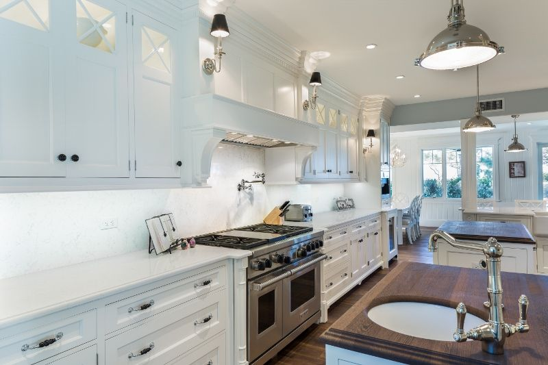 Mixing materials Wood Mode Nordic White cabinets on Pasedena Inset