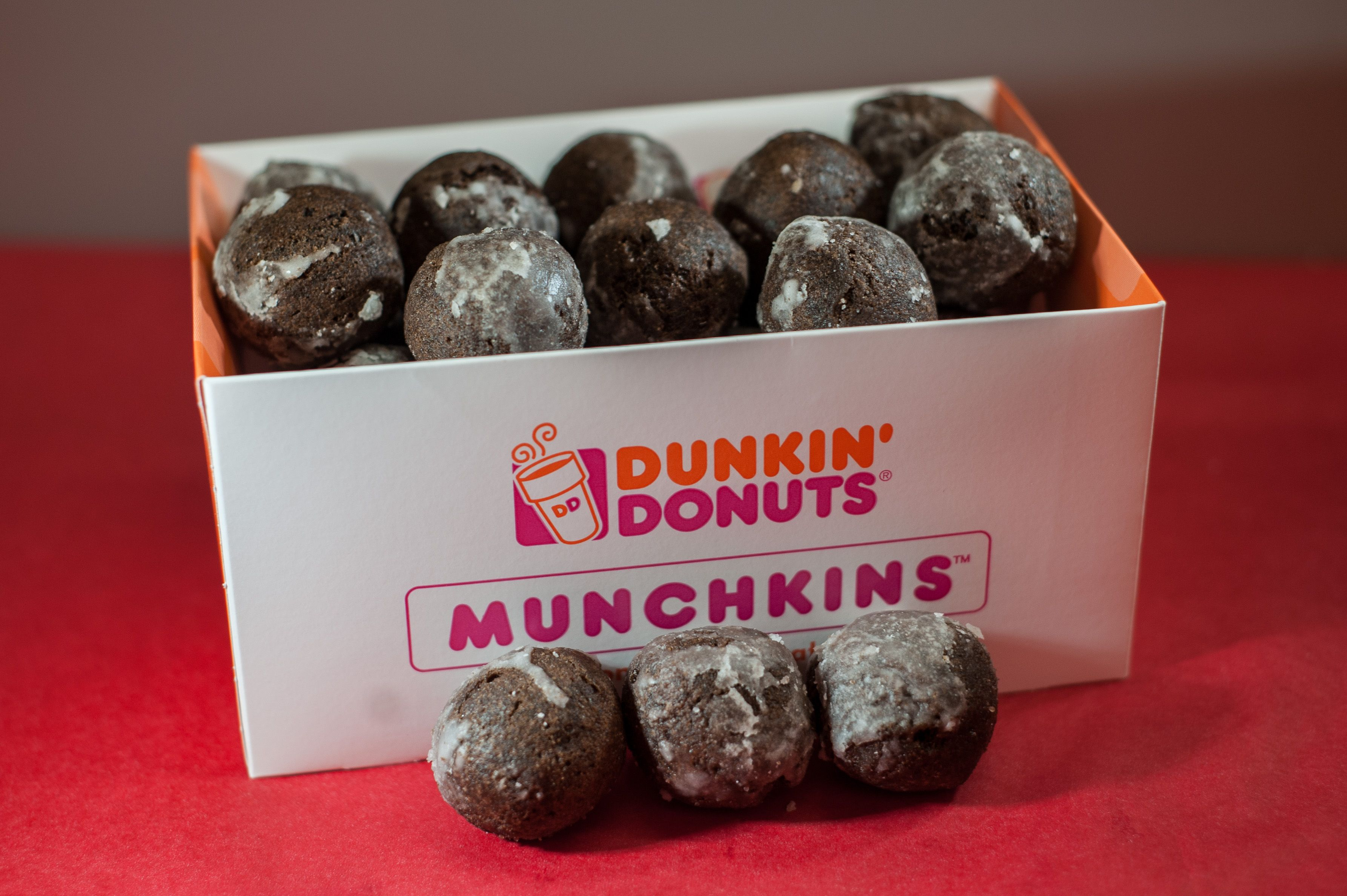 Munchkins 25 Munchkins Chocolate Glazed Dunkin Donuts Donuts Restaurant Recipes