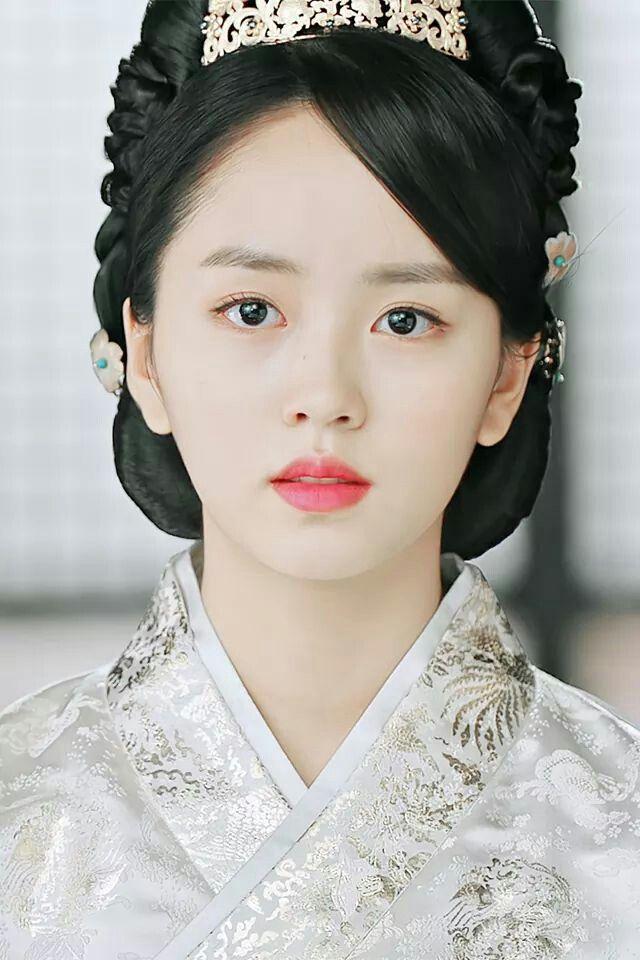 Kimsohyun Goblin Kim So Hyun In 2019 Pinterest Kim Sohyun