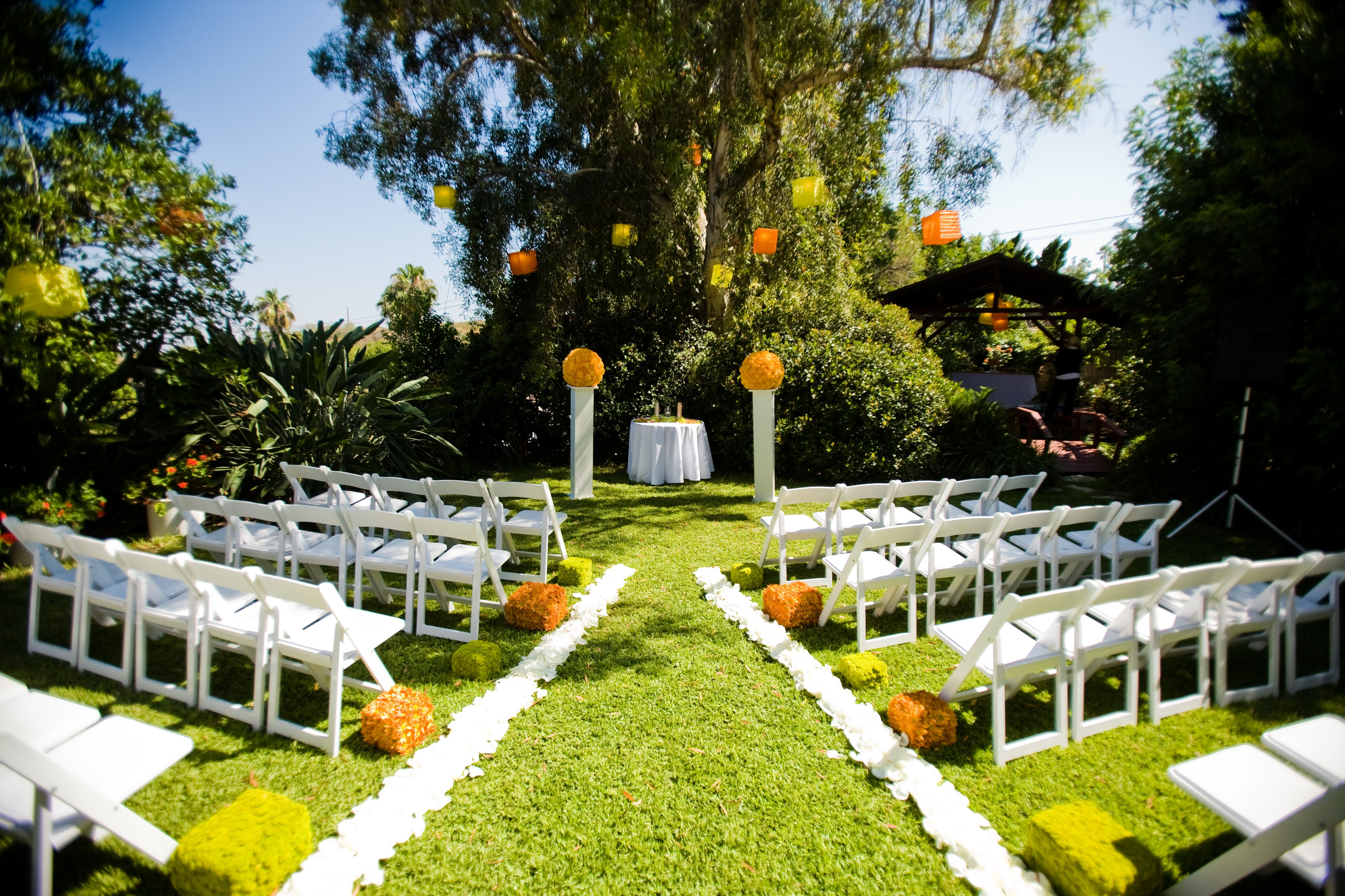 How Pretty Is This Ceremony Set Up Idea