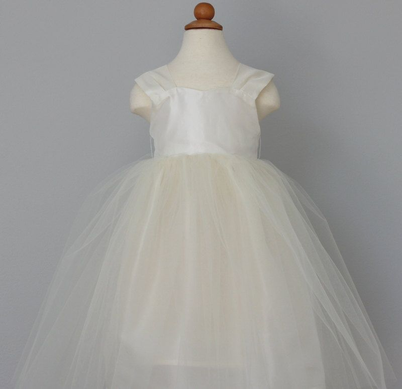 3423f23c3 Flower Girl Dress... Tulle Flower Girl Dress... Heart Shaped ...