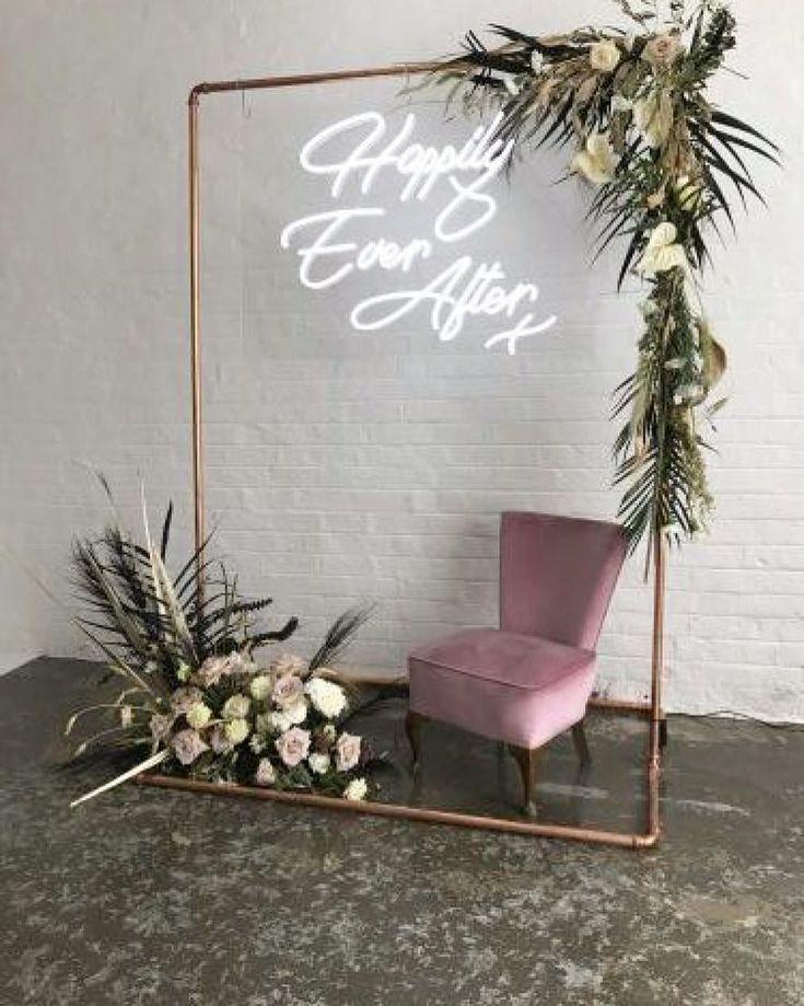 Neon-Hochzeitszeichen sind der hellste und kühnste Hochzeitstrend von 2019 - New Ideas #decorationevent