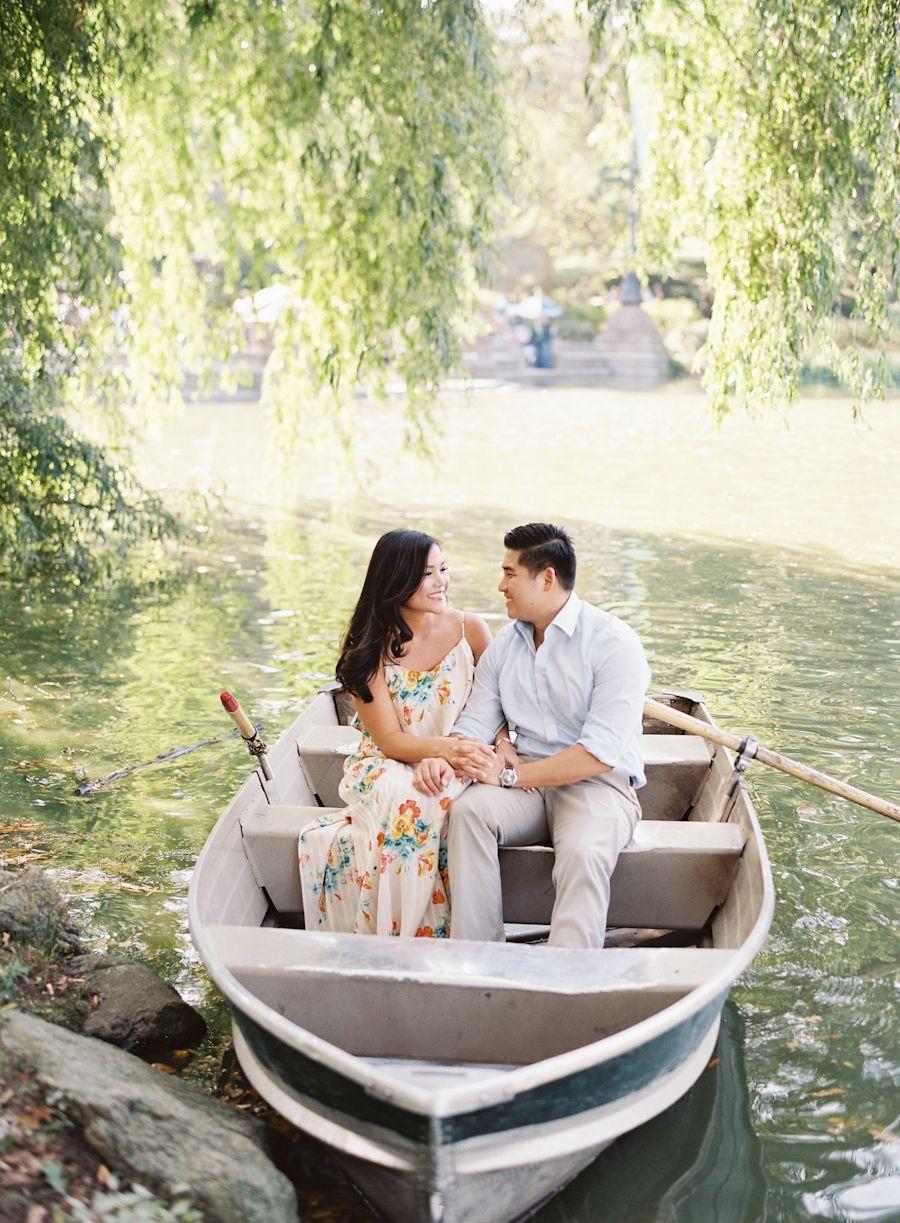 Parisian-Inspired Rowboat Engagement Session | Paddle boat, Parisian ...