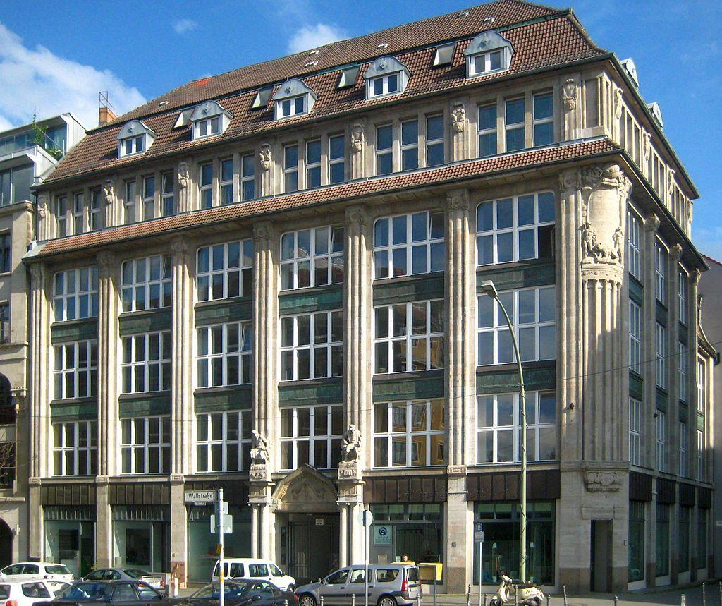 Wallstrasse Geschaeftshaus