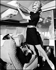 Air Hostesses - Page 32 - Wings900 Discussion Forums