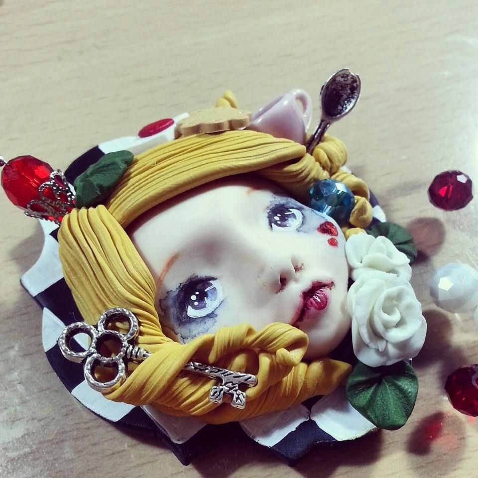 Alice cameo in polimer clay by Kamenthya