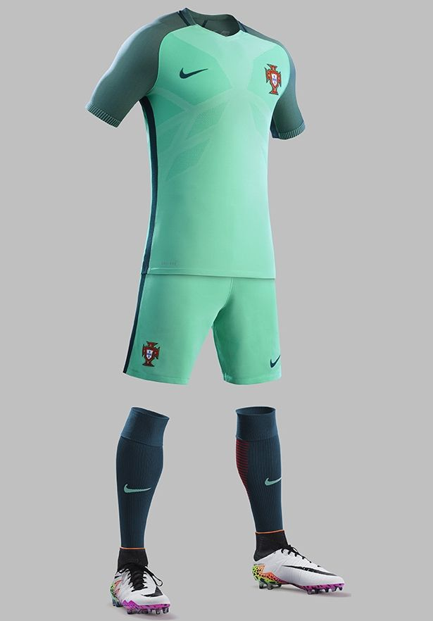 Anfibio Escudriñar Anormal  Nike divulga as novas camisas de Portugal | Camisa de portugal, Camisetas  de futebol, Roupa de futebol