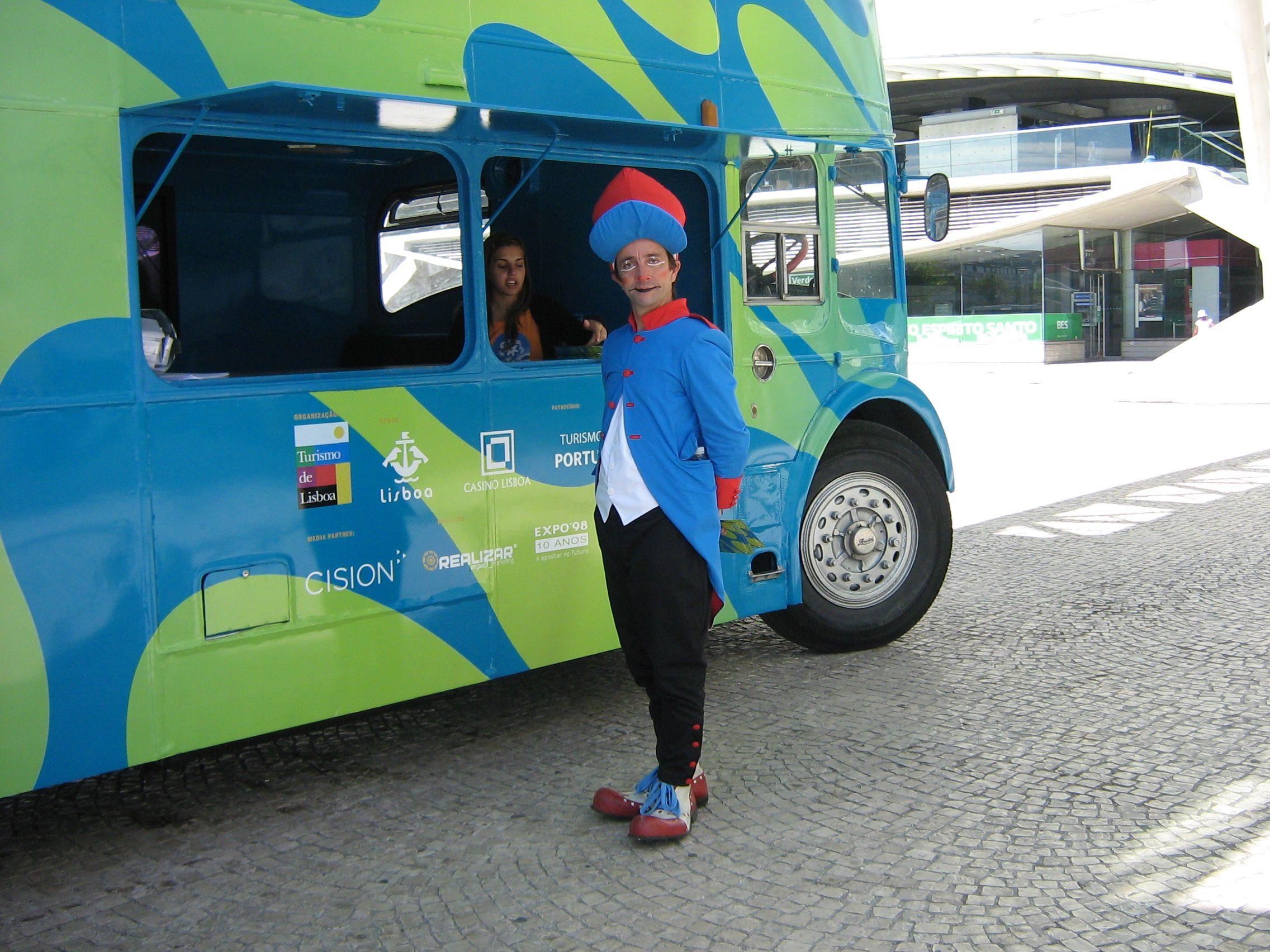 FESTIVAL DOS OCEANOS- A EXPEDIÇÃO DO COMANDANTE TAPA TÔTÔ www.trupilariante.com | trupilariante@trupilariante.com | +351 21 846 07 38