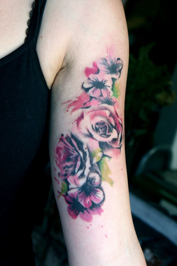 watercolor roses red google search tattoos watercolor pinterest watercolor. Black Bedroom Furniture Sets. Home Design Ideas