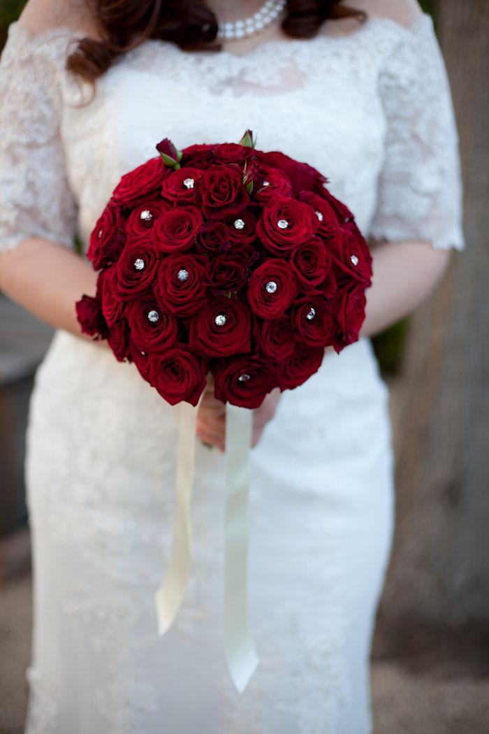 Red rose wedding bouquet. Photography: meganclouse.com
