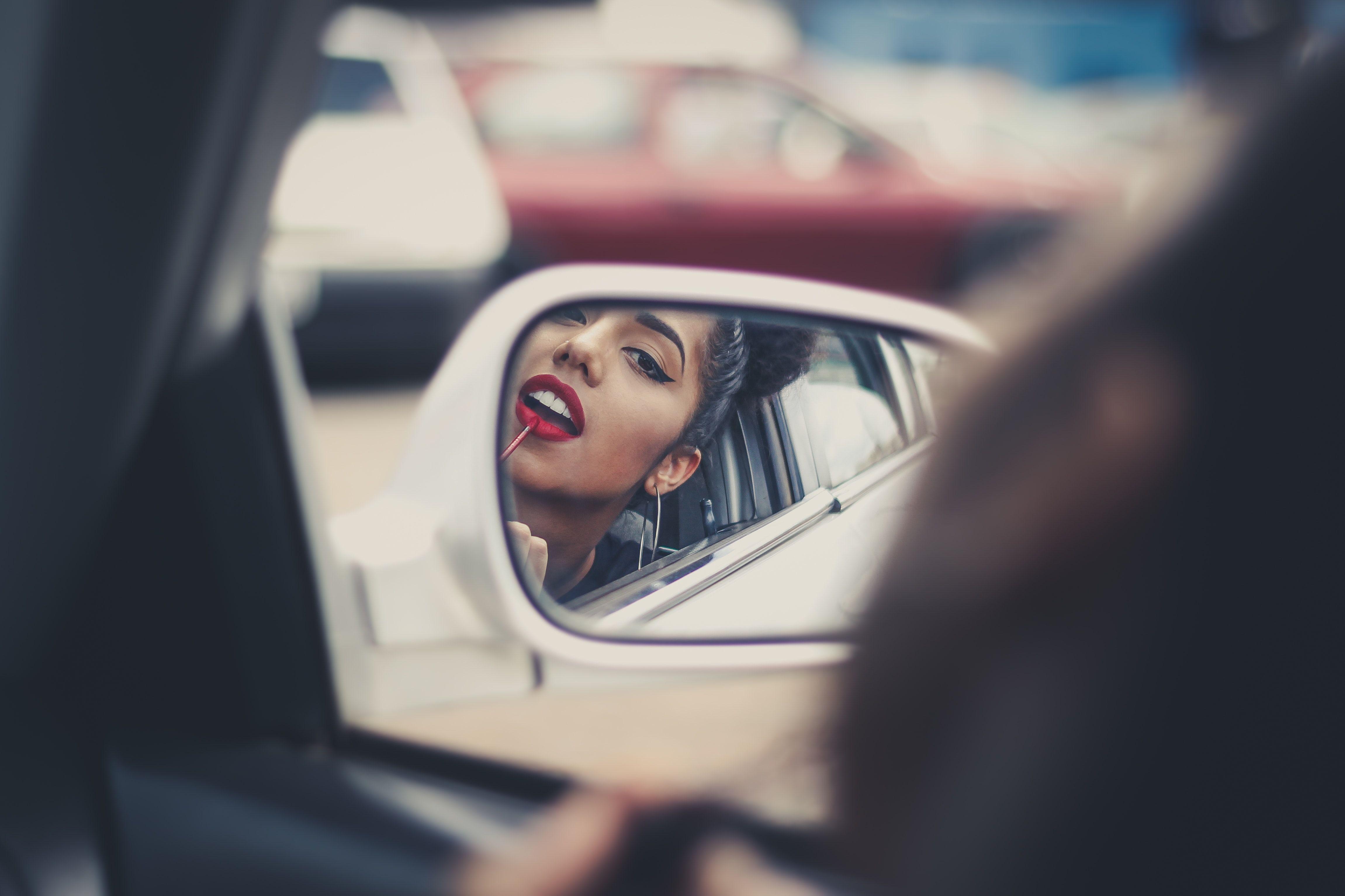 Friendly reminders: wear that lipstick, buy that plane ticket, and #ShopROMAN for your travel outfits 💄✈️🛍️ #WhereYourStoryBegins . . . . . . pc: Gustavo Spindula (@gspindula) via @upslpash . . . #fashion #lifestyle #travel #inspo #explorepage #lifestylepage #inspiration #wanderlust #citystyle #fashion #love #travelinspo #fashionweek #mondaymotivation #happyhumpday