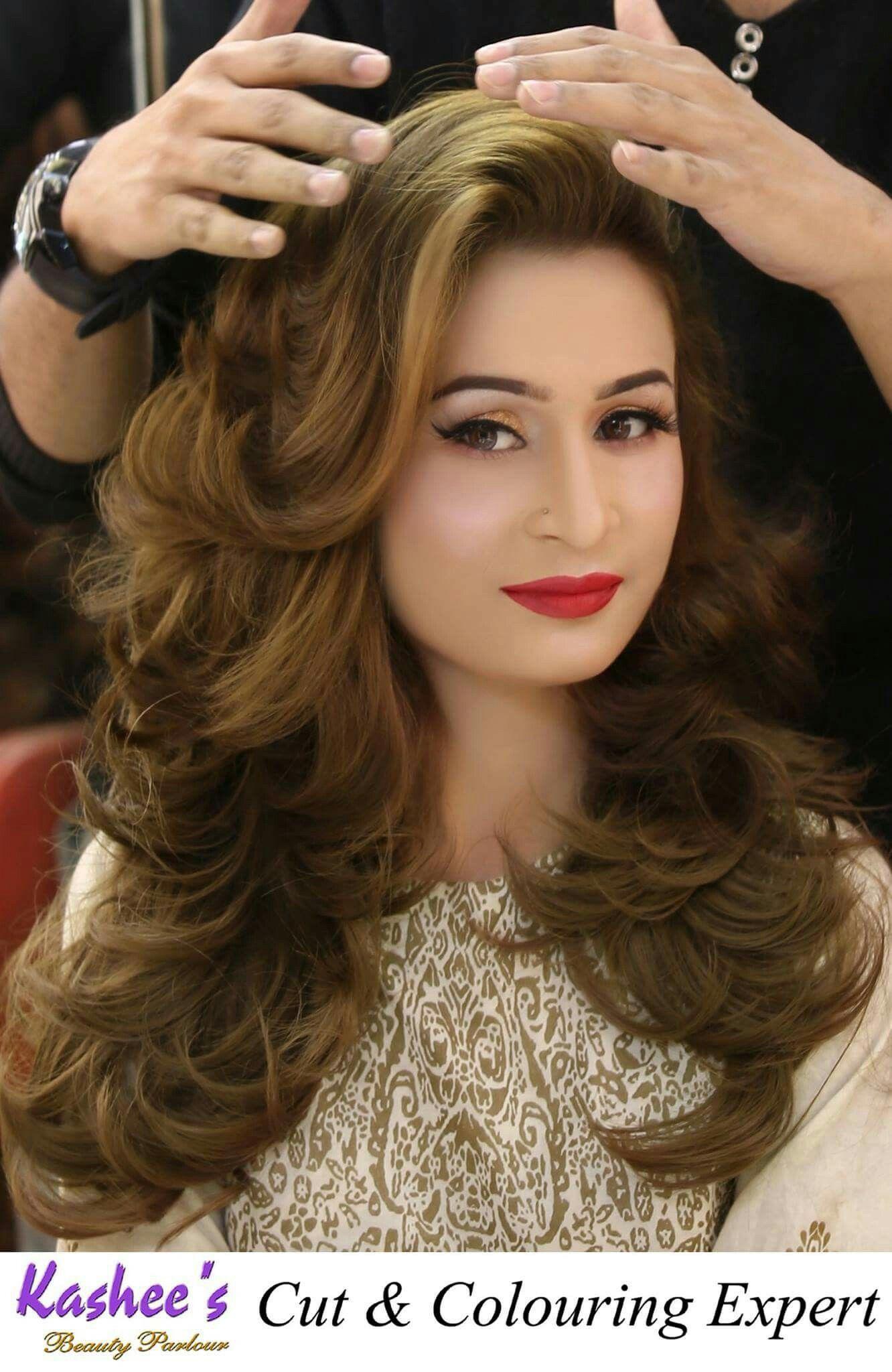 Pin By Renu Soni On H Pakistani Bride Hairstyle Bride Hairstyles Wavy Wedding Hair
