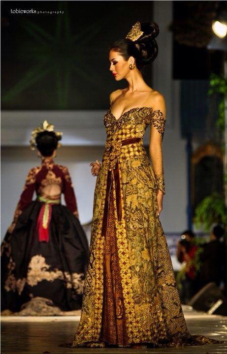 Pin oleh Suci Icus di Wedding dress   Batik kebaya, Kebaya ...