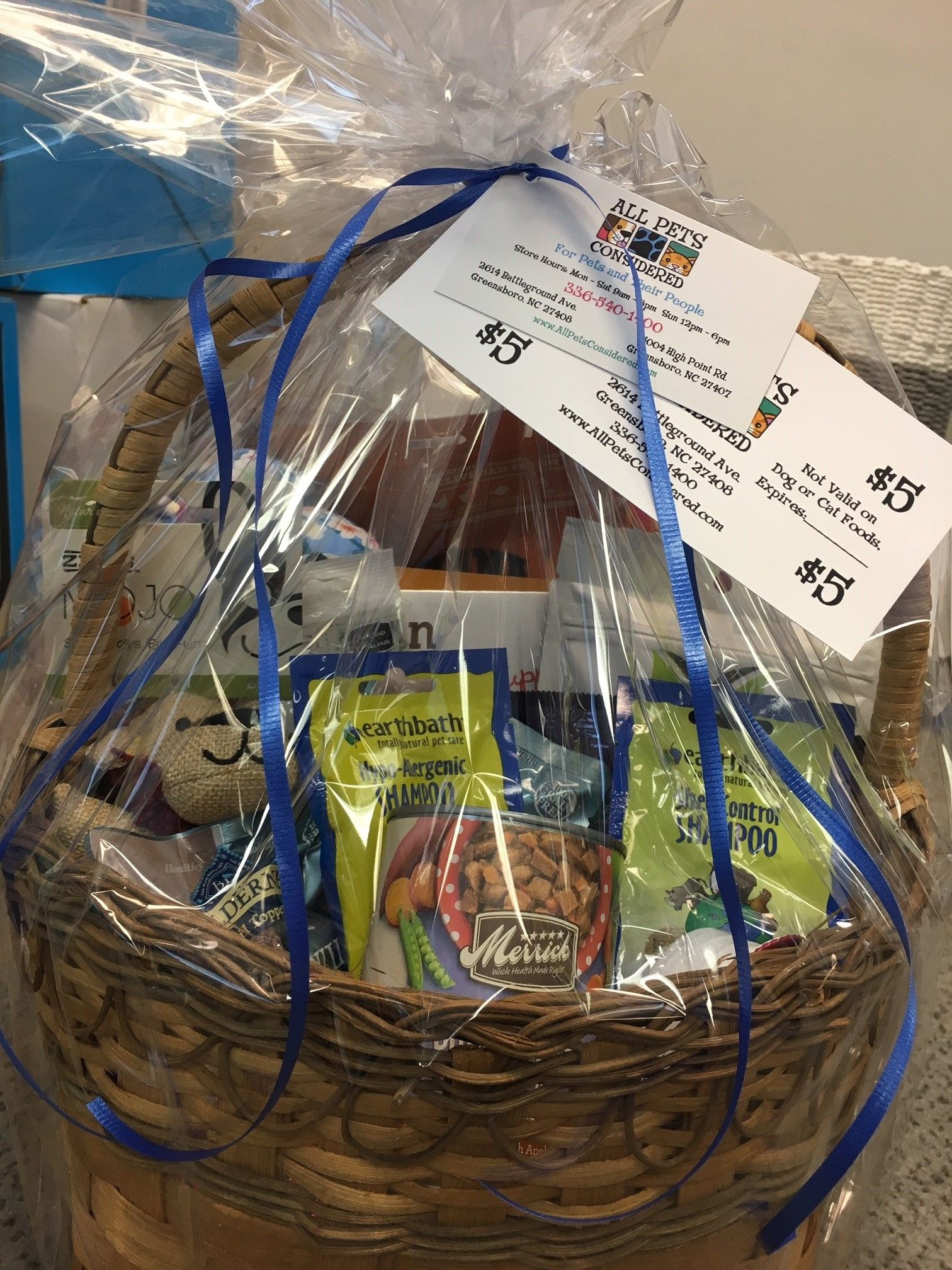 Pet Gift Basket Donated By All Pets Considered Don T Miss The