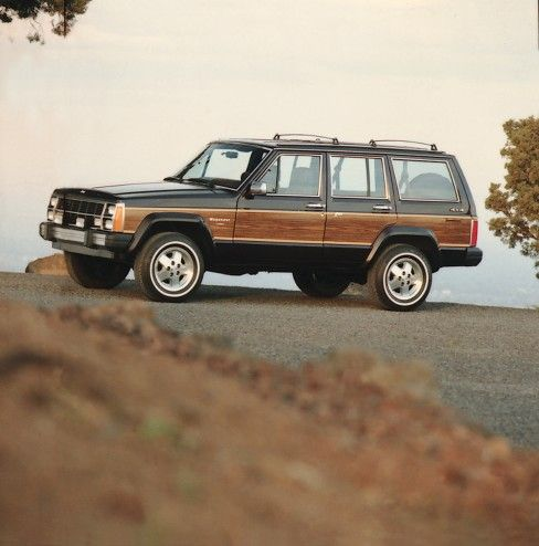 Jeep Heritage 1984 1990 Jeep Wagoneer Limited Xj The Jeep Blog Jeep Wagoneer Vintage Jeep Jeep Xj