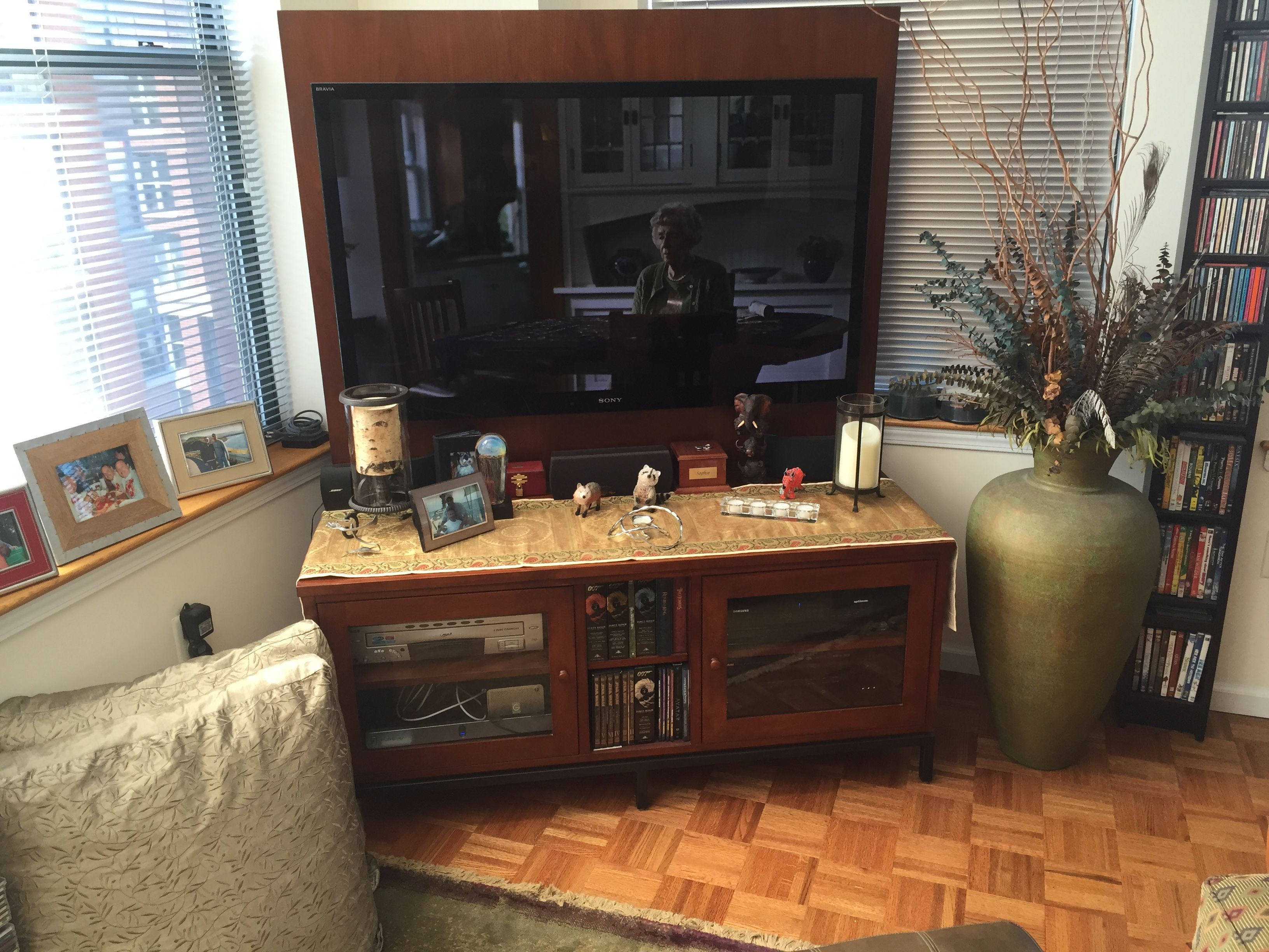 wall unit TV stand/media center. propose utilizing in