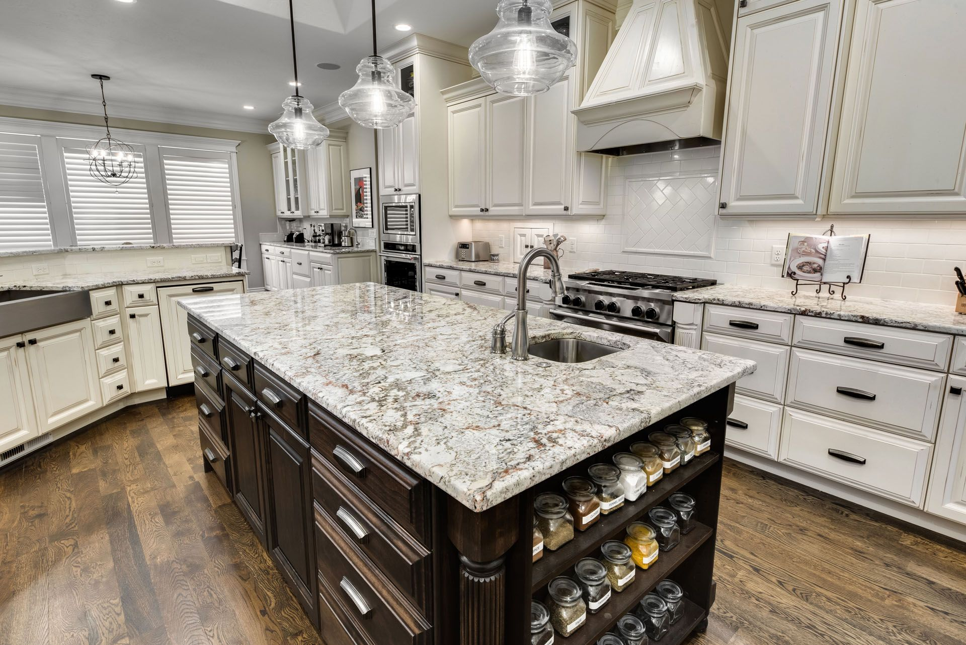 Blue Nile Granite Island And Perimeter Atop Mixed Stained