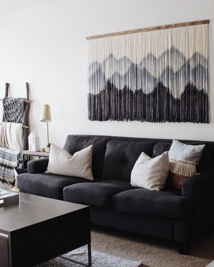Vintage Living Room Design Ideas That Incorporate The Color Of The Year Living Room Ideas L Vintage Living Room Design Creative Home Decor Vintage Living Room #vintage #living #room #wall #decor