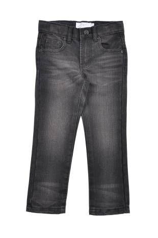 "Pantalón tipo ""jeans"" para niño, en color negro."