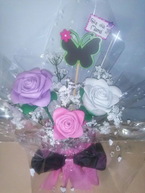 Rosas en goma eva  Mundifomy.blogspot.com