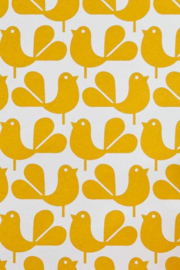 Eine gelbe tapete im schlaf oder wohnzimmer wirkt sehr for Tapete gelb muster