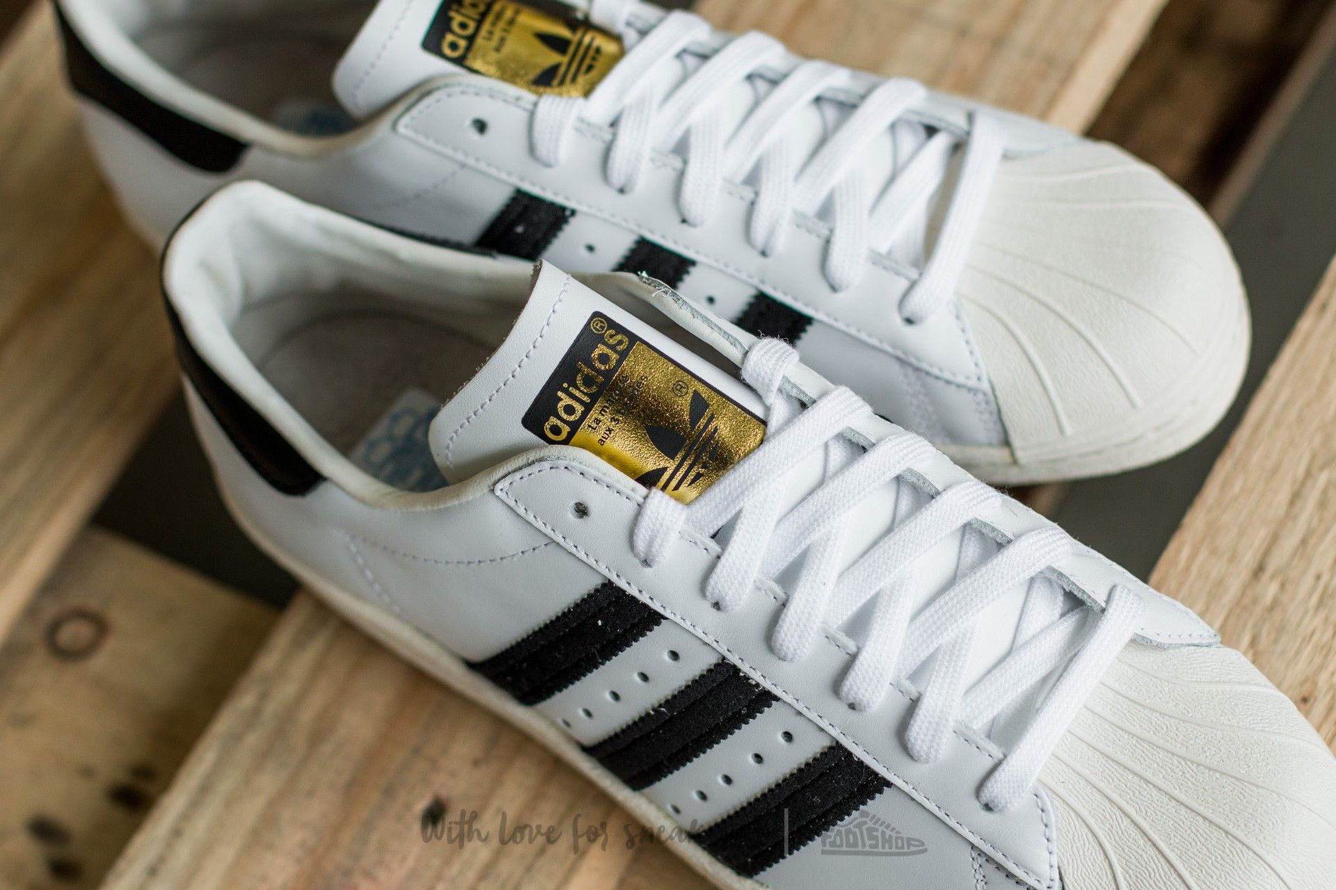 separation shoes ad0a2 8de19 adidas Superstar 80s White Black1 Chalk2 la un preț excelent 523 Lei  cumpără la Footshop