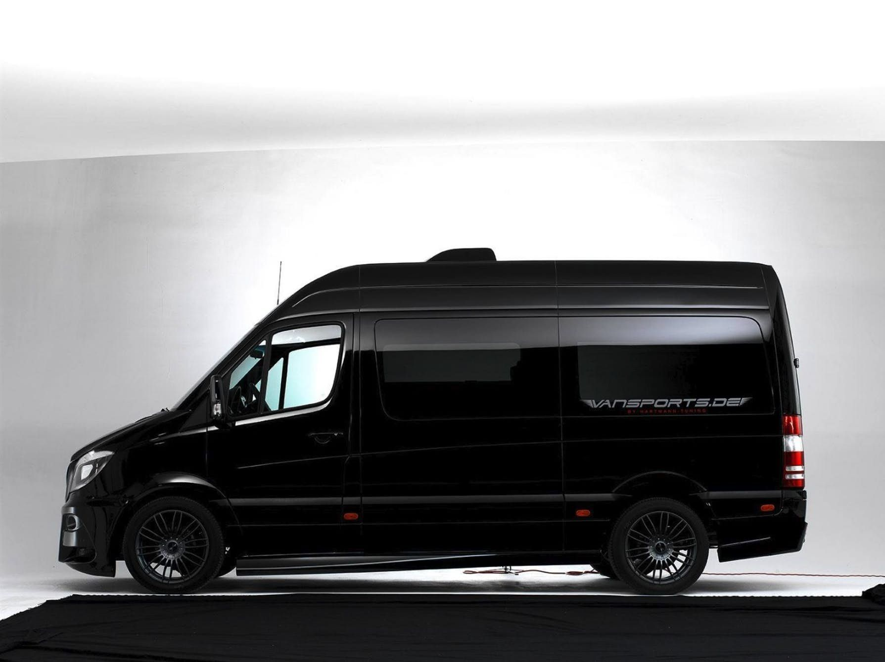 The hartmann vansports camper based on the mercedes sprinter sportsmobile pinterest mercedes sprinter vw crafter and campervan interior