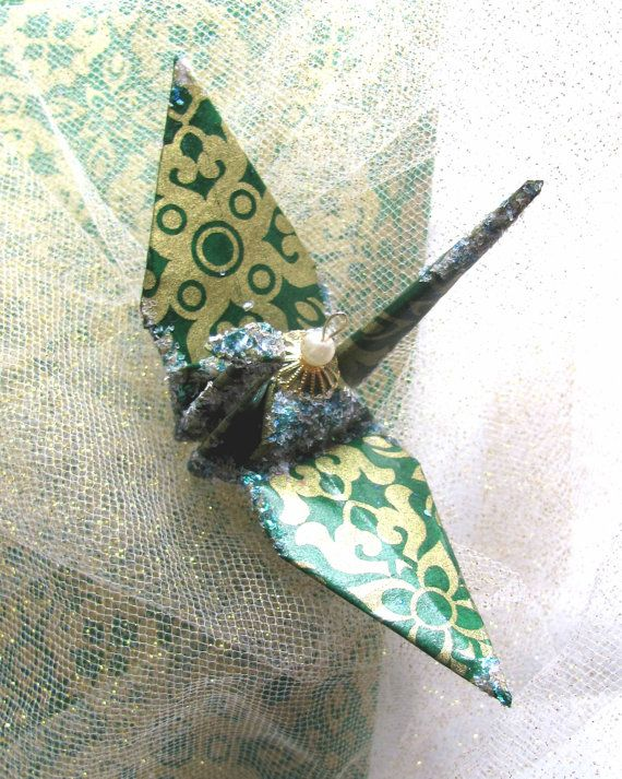 gold and green Japanese origami cranes | Origami christmas ...